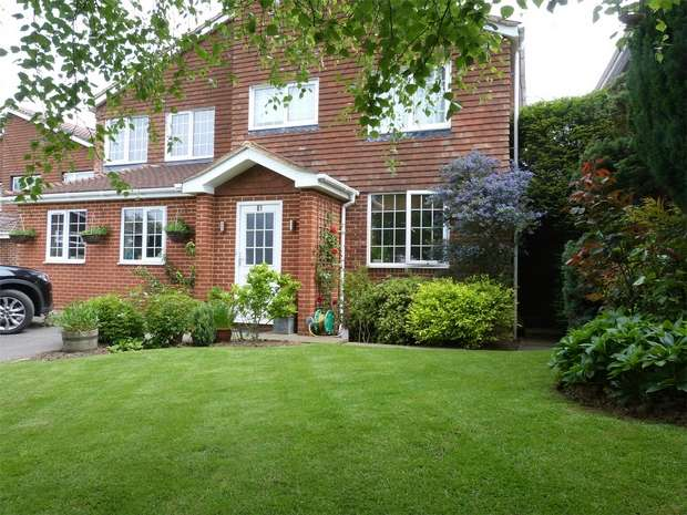 4 Bedrooms Detached House for sale in 61 Chesterfield Drive, Riverhead, Sevenoaks, Kent