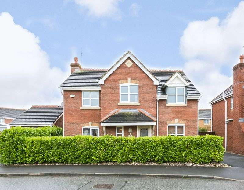 4 Bedrooms Detached House for sale in Delph Drive, Burscough, L40 5BD