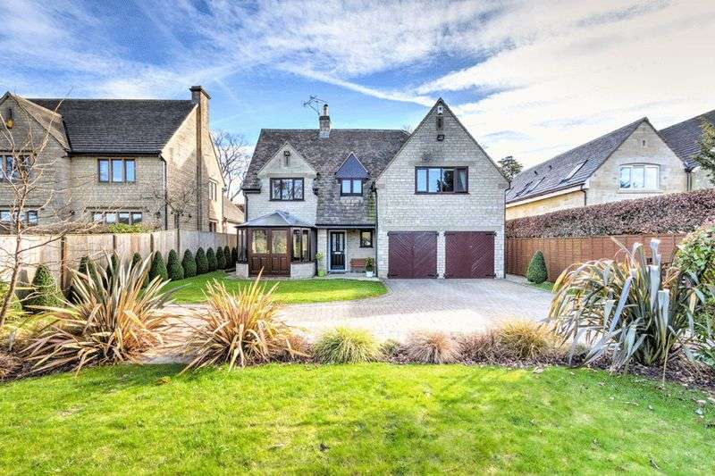 4 Bedrooms Detached House for sale in Cranham, Gloucester
