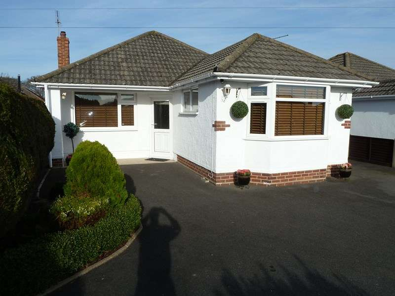 3 Bedrooms Bungalow for sale in Venning Avenue, Bear Cross, Bournemouth