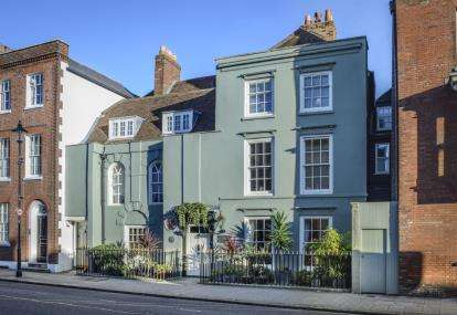 6 Bedrooms Terraced House for sale in Old Portsmouth, Hampshire, United Kingdom
