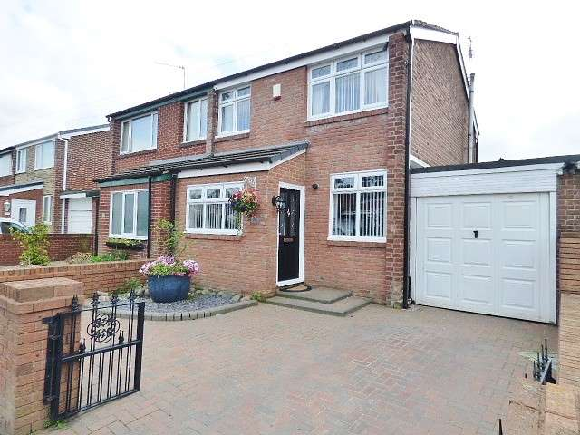 3 Bedrooms House for sale in Hawkshead Road, Burtonwood, Warrington
