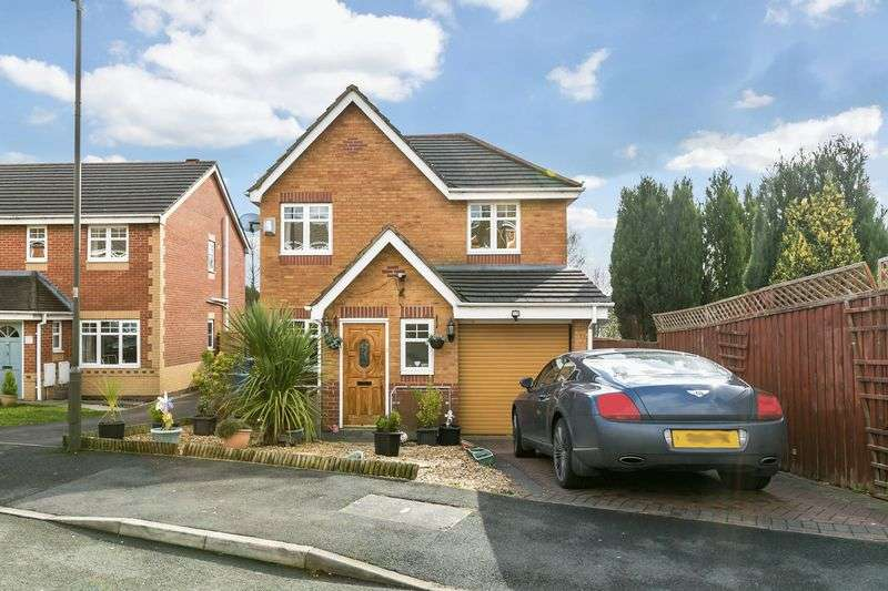 3 Bedrooms Detached House for sale in Salwick Close, Goose Green, WN3 6RE