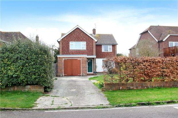 3 Bedrooms Detached House for sale in Golden Avenue, West Kingston, East Preston, West Sussex, BN16