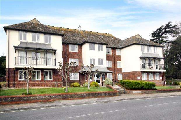 1 Bedroom Retirement Property for sale in Nordseter Lodge, Sea Lane, Rustington, West Sussex, BN16