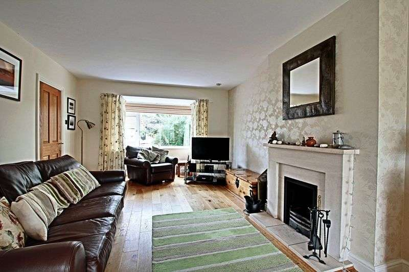 3 Bedrooms Semi Detached House for sale in Canada Drive, Beverley
