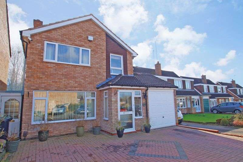 4 Bedrooms Detached House for sale in Ansley Close, Redditch
