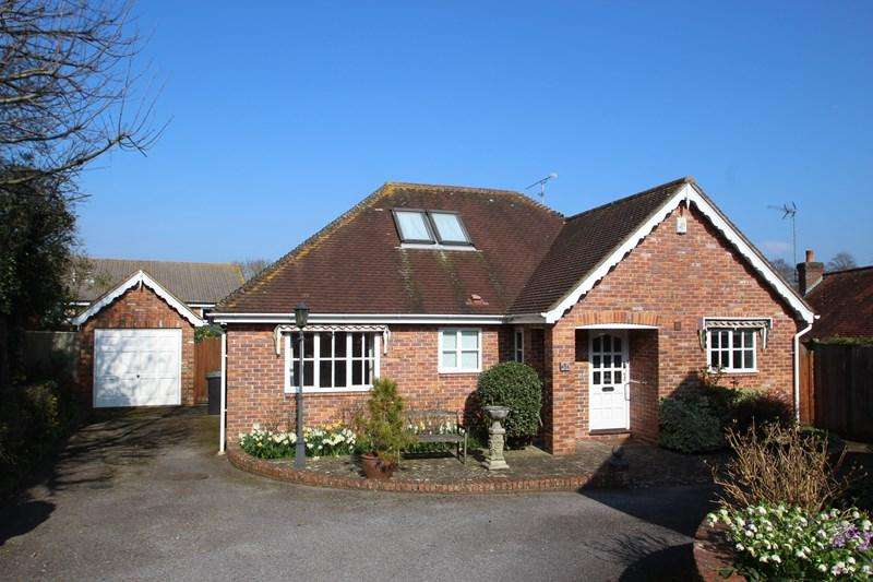 3 Bedrooms Bungalow for sale in Holly Mews, Hurstpierpoint