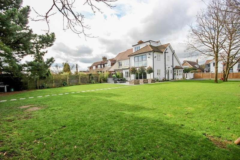 4 Bedrooms House for sale in 4 bedroom Semi Detached House in Toot Hill