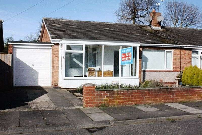 2 Bedrooms Semi Detached Bungalow for sale in Moorfields, Morpeth - Two Bedroom Semi Detached Bungalow