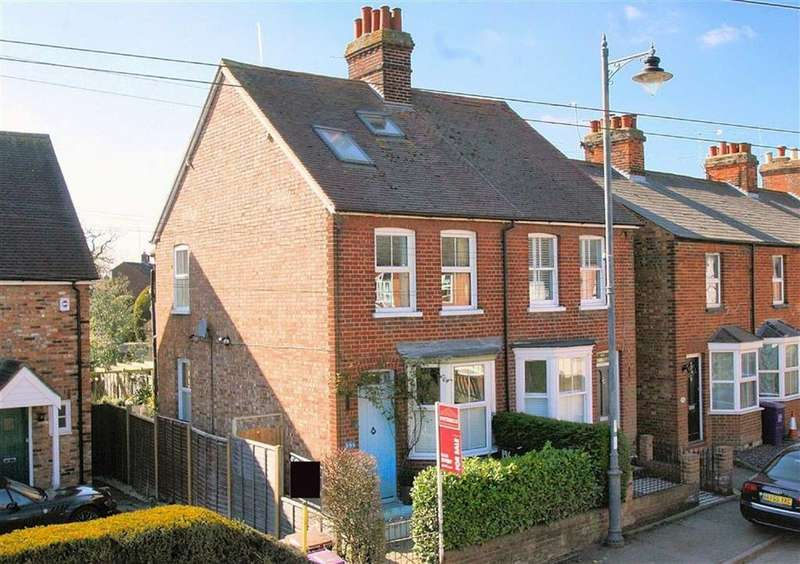 3 Bedrooms Semi Detached House for sale in High Street, Codicote, SG4 8UB