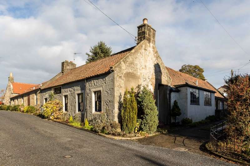 3 Bedrooms Cottage House for sale in 19 Keltybridge, Blairadam, Perth & Kinross, KY4 0JH