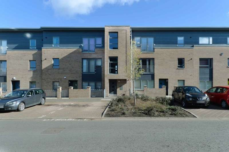 2 Bedrooms Flat for sale in West Pilton Road, Pilton, Edinburgh, EH4 4GX