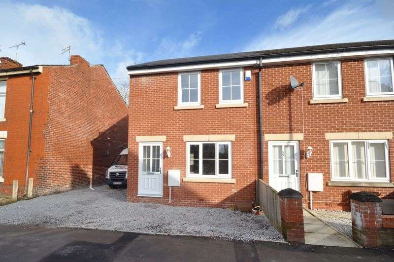 3 Bedrooms Mews House for sale in Buckley Street, Heywood