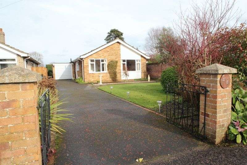 3 Bedrooms Detached Bungalow for sale in Middletons Lane, Norwich