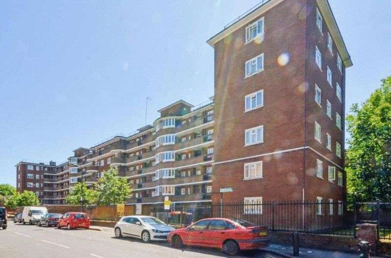 3 Bedrooms Flat for sale in Fairchild House, Fanshaw Street, Shoreditch, London, N1