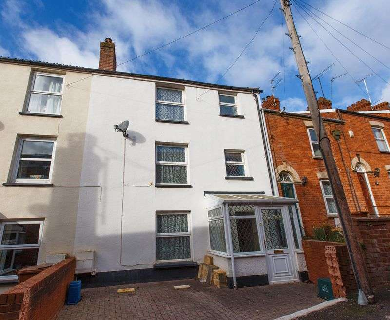 4 Bedrooms Terraced House for sale in The Mews, Crediton