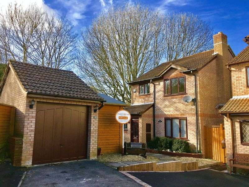 3 Bedrooms Detached House for sale in Worle, Weston-Super-Mare