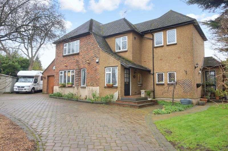 4 Bedrooms Detached House for sale in Banstead