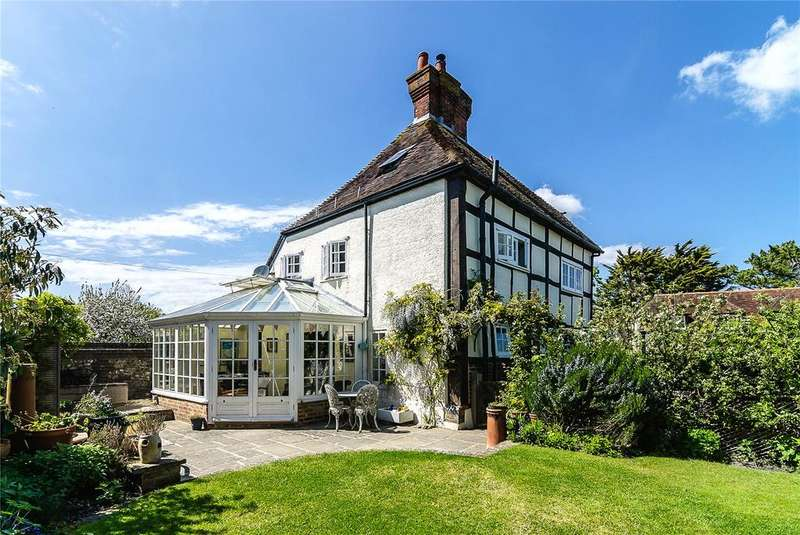 4 Bedrooms Detached House for sale in The Street, Fulking, Henfield, West Sussex