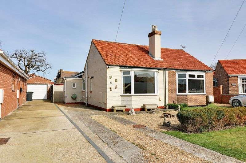 1 Bedroom Semi Detached Bungalow for sale in Sea Front Estate, Hayling Island