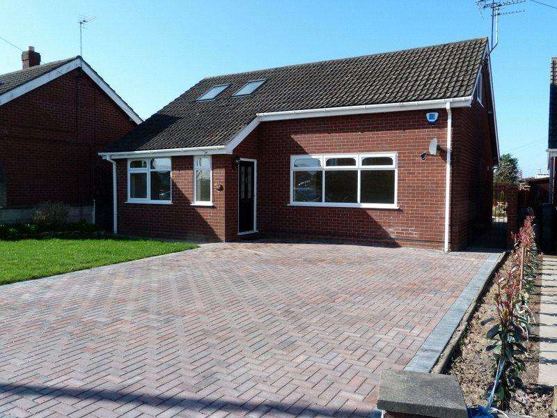 4 Bedrooms Detached Bungalow for sale in Sydney Road, Crewe, Cheshire, CW1