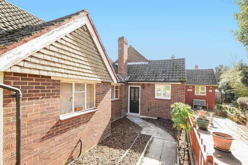 2 Bedrooms Semi Detached House for sale in Hassocks Close, Sydenham, SE26