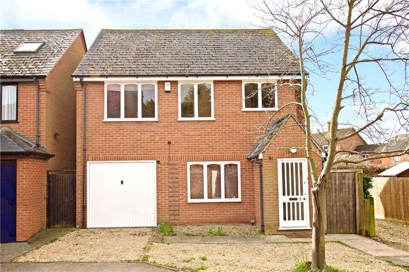 4 Bedrooms Detached House for sale in Waterhouse Close, Newport Pagnell, Buckinghamshire