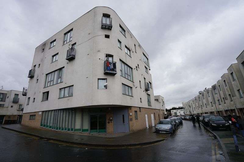 1 Bedroom Flat for sale in 1 Bedroom Apartment, Pickering Road, Barking, IG11
