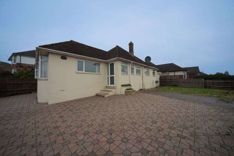 2 Bedrooms House for sale in Spacious Two Bedroom Bungalow on The Grove in Moordown