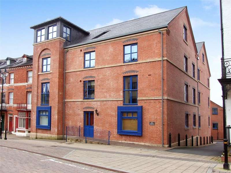 2 Bedrooms Apartment Flat for sale in Spa Heights, High Street, Llandrindod Wells, Powys