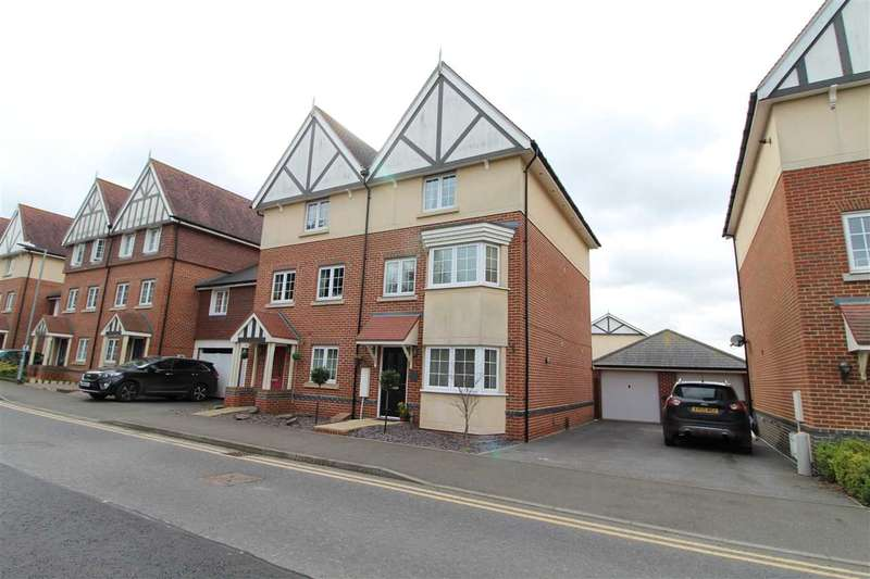 3 Bedrooms Town House for sale in Apprentice Drive, Braiswick, Colchester