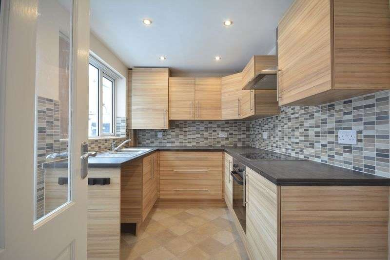 3 Bedrooms Terraced House for sale in Milton Street, Clayton-le-Moors