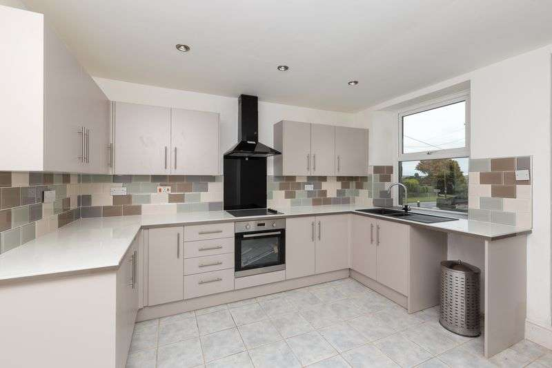 3 Bedrooms Terraced House for sale in Fore Street, St. Stephen