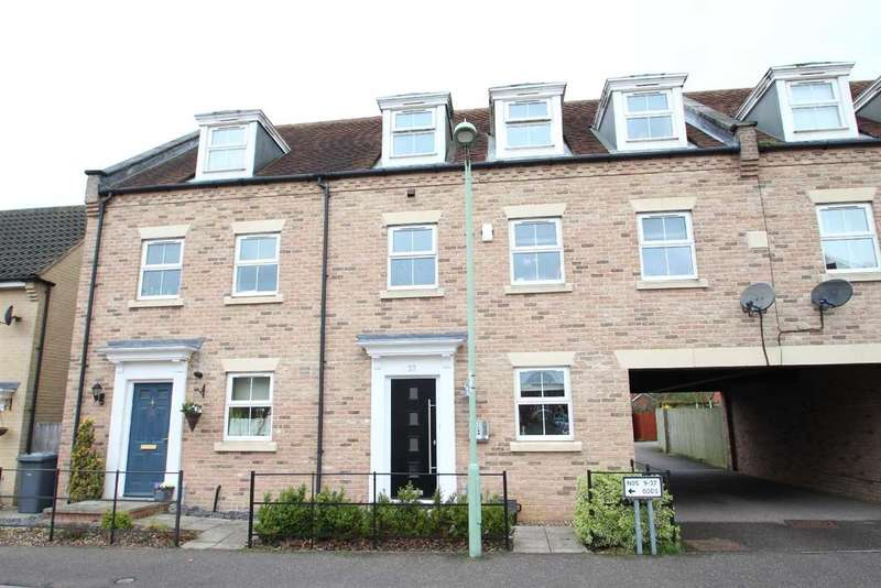 4 Bedrooms Town House for sale in Peasey Gardens, Grange Farm, Kesgrave, Ipswich