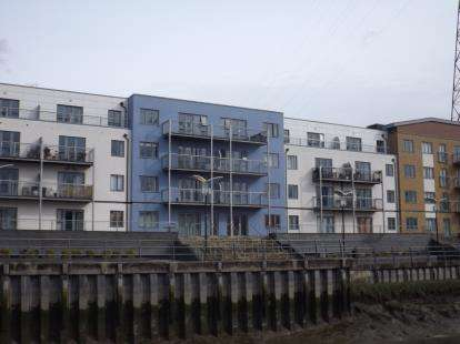 1 Bedroom Flat for sale in Quayside Drive, Colchester, Essex