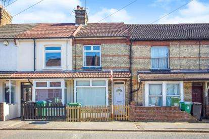 2 Bedrooms Terraced House for sale in Leavesden Road, Watford, Hertfordshire, .