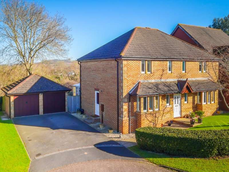 4 Bedrooms Detached House for sale in Huxley Vale, Kingskerswell