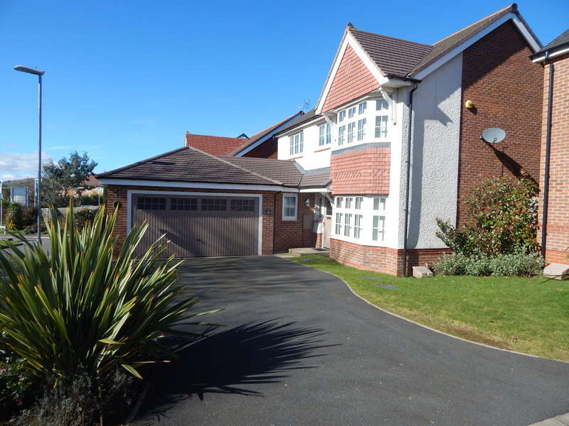 4 Bedrooms Detached House for rent in Floyd Close, Wardle