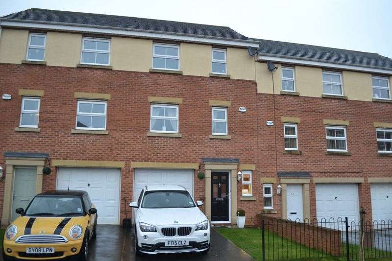 3 Bedrooms Terraced House for sale in Pennistone Place, Scartho Top