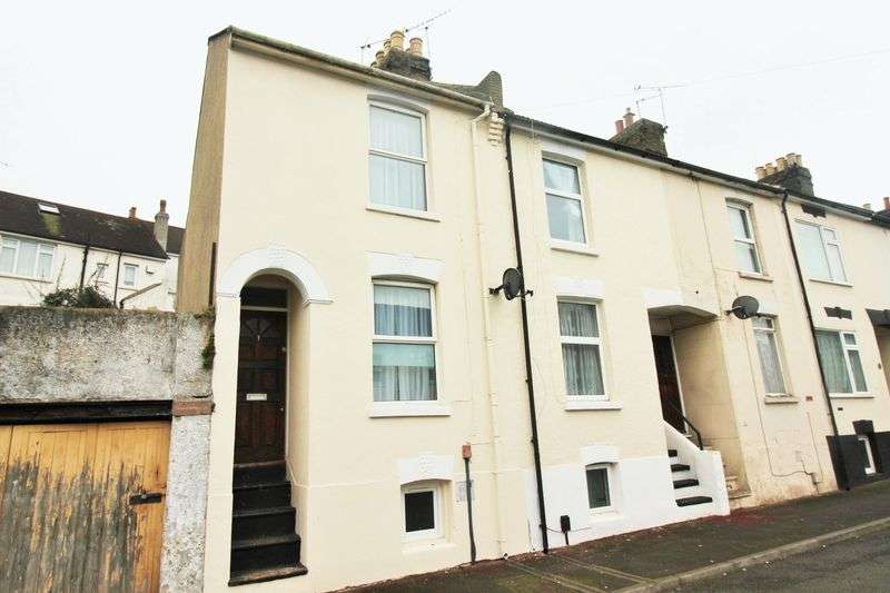 2 Bedrooms Terraced House for sale in Seymour Road, Chatham