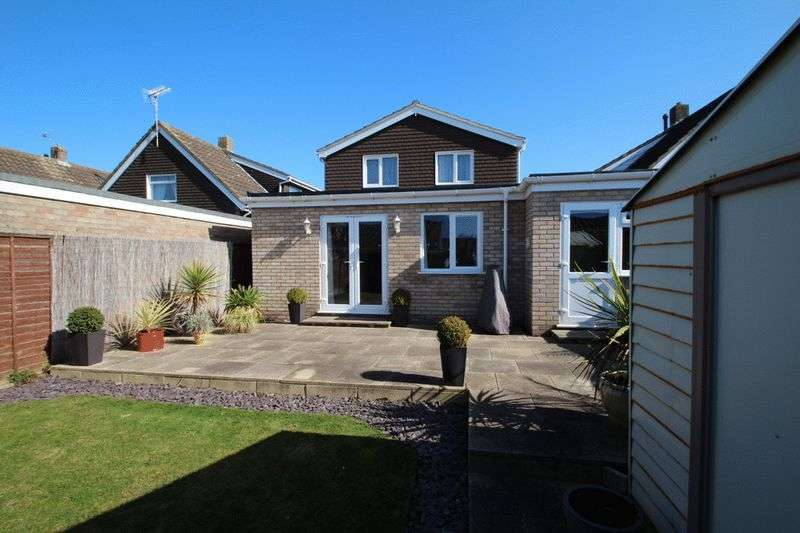 4 Bedrooms Detached House for sale in The Paddocks, Old Catton