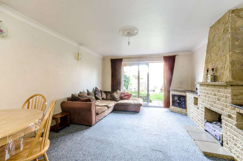 3 Bedrooms Terraced House for sale in Camborne Road, Sutton, SM2