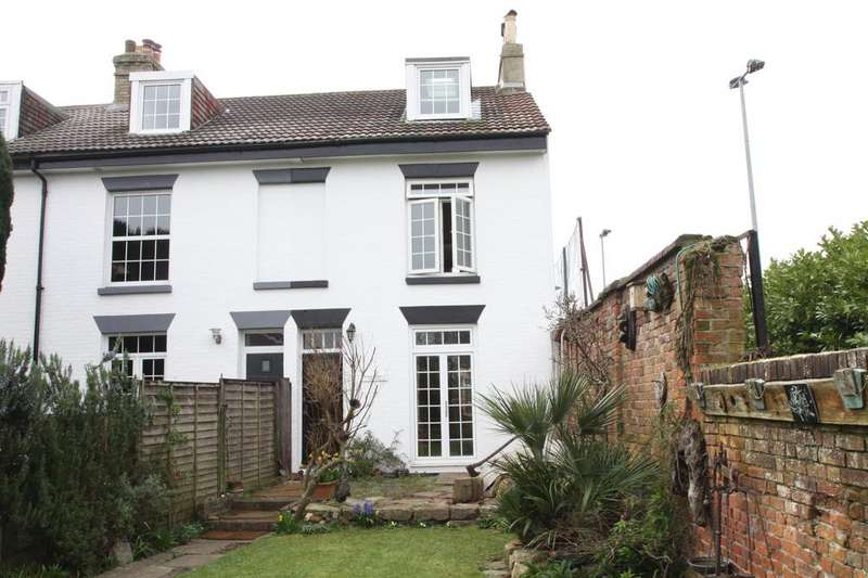 3 Bedrooms Cottage House for sale in Ferrol Road, Gosport PO12