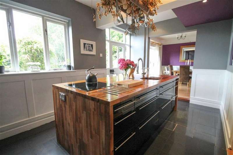 4 Bedrooms Detached House for sale in London Road, Northwich