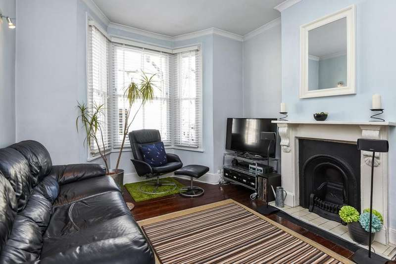 2 Bedrooms Terraced House for sale in Graveney Road, Tooting, SW17