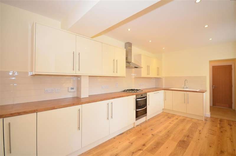 4 Bedrooms Semi Detached House for sale in Hollow Lane, Snodland, Kent