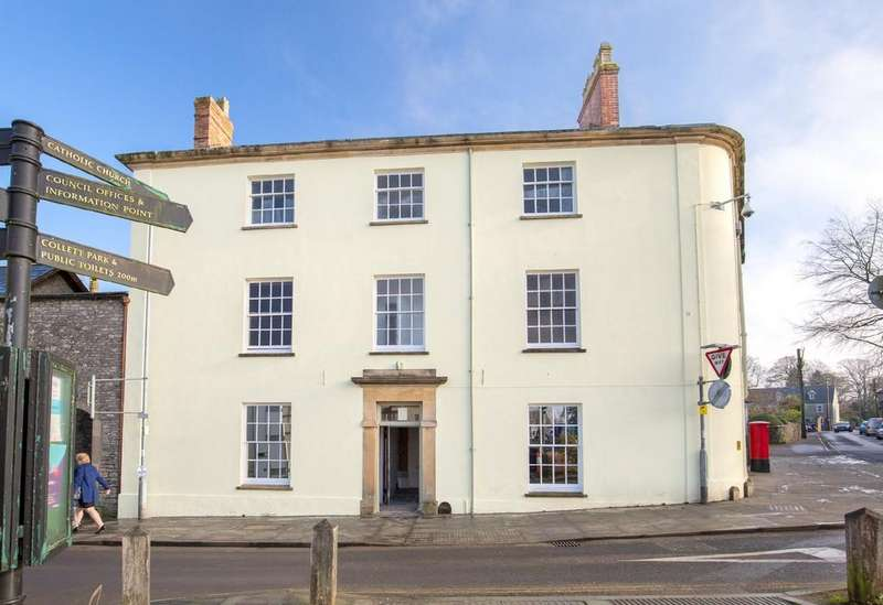 2 Bedrooms Ground Flat for sale in High Street, Shepton Mallet