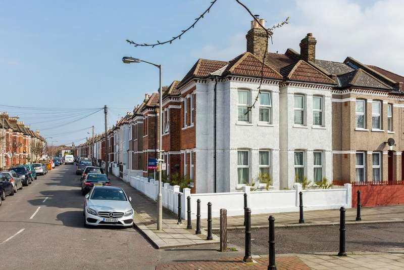 4 Bedrooms Semi Detached House for sale in Leverson Street, SW16