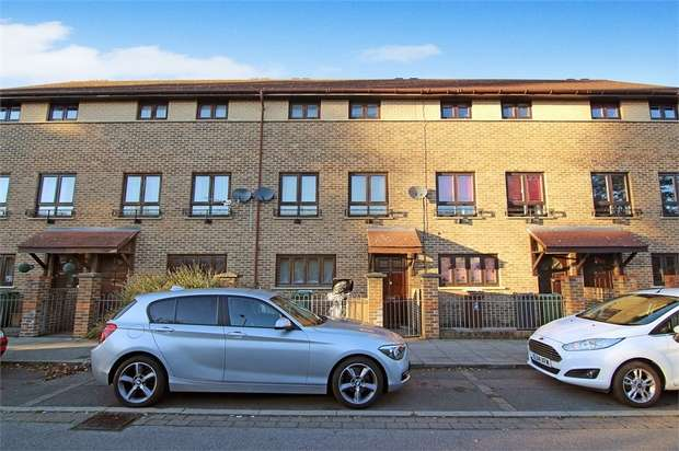 4 Bedrooms Terraced House for sale in Osier Way, Leyton, London